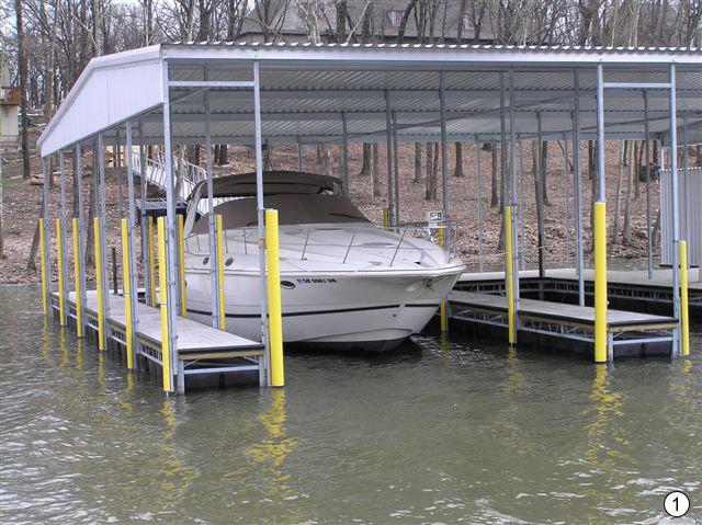 Плавающий гараж для лодки